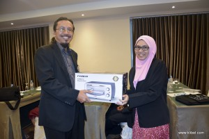 kuala-lumpur-international-business-economics-law-academic-conference-2017-malaysia-organizer-luckydraw (9)