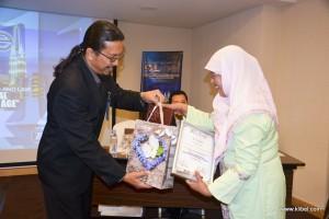 kuala-lumpur-international-business-economics-law-academic-conference-2017-malaysia-organizer-bestpaper (6)